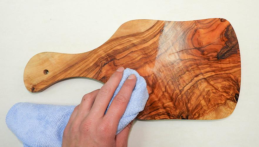 Obnovitev lesenih kuhinjskih pripomočkov